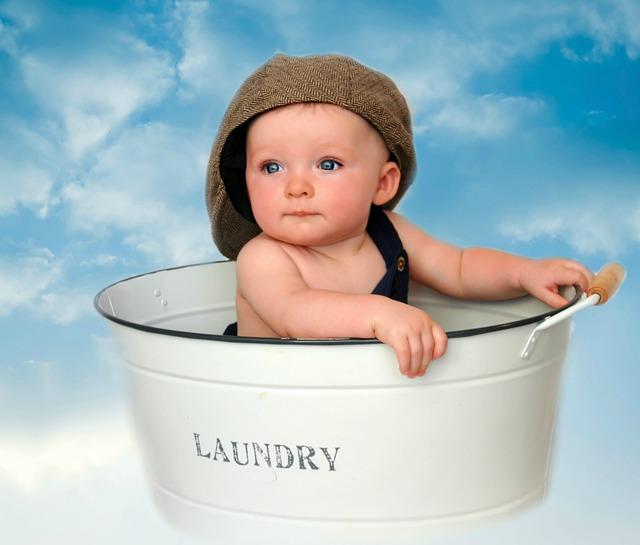 רחצה מהנה ובטוחה לתינוק - בחירת האמבטיה המתאימה